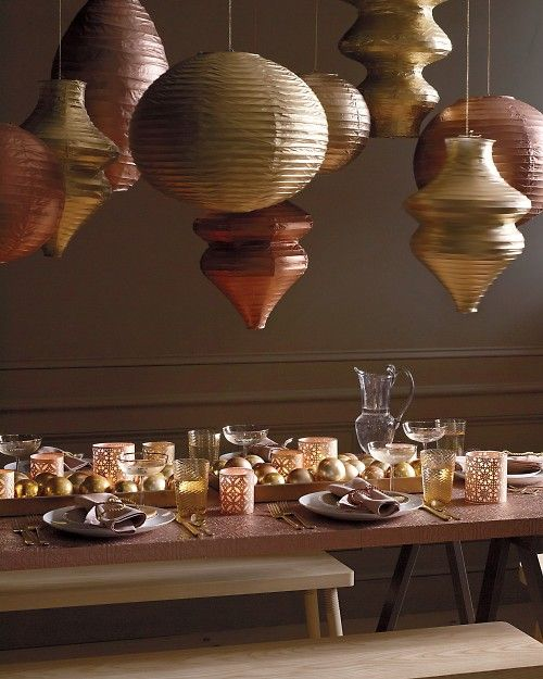 Glinting paper lanterns and table settings metallic - Paper lantern paint color ...