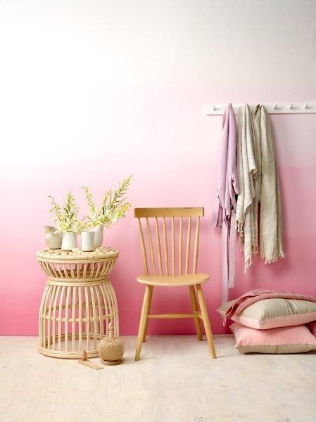Pinke Wand im Ombré-Look. #KOLORAT #streichen #Wandgestaltung #Ombré