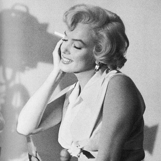On the set of The Seven Year Itch  #marilynmonroe