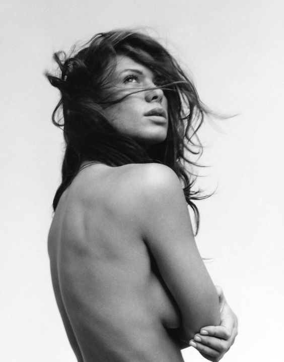 Rhona Mitra Topless pics