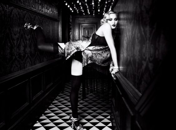 legendary Madonna wearing our Individual 10 Stockings for Vogue UK - February 2017. http://www.wolfordshop.at/struempfe/halterlose-struempfe/individual-10-stocking/21606.html?dwvar_21606_color=4004