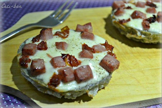 Fonds d'artichauts à la mozzarella, dés de jambon et tomates séchées