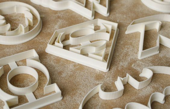 Youmagine: Superhero Cookie Cutter Web by Flowalistik