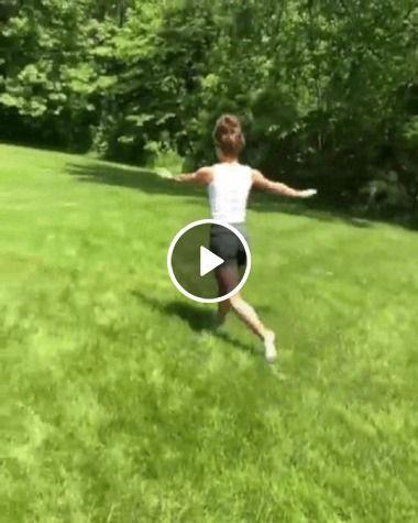 A  mulher  se descontrola no treino
