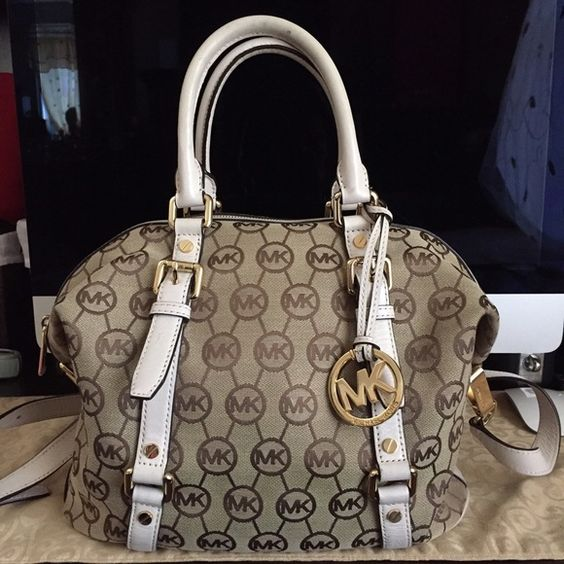 Michael Kors Beige Monogram Bedford Medium Satchel Authentic Michael Kors Bedform Monogram satchel - purchased at the Michael Kors boutique - (NOT  outlet collection) the bag is overall very clean in the exterior and interior with small not visible damages - a few scratches on the handles and on the gold hardware as seen on 4th picture Michael Kors Bags Satchels