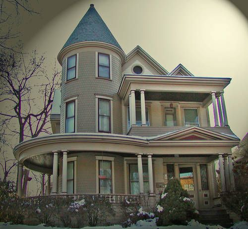 A photo gallery of queen anne architecture queen anne for Victorian house plans with turrets