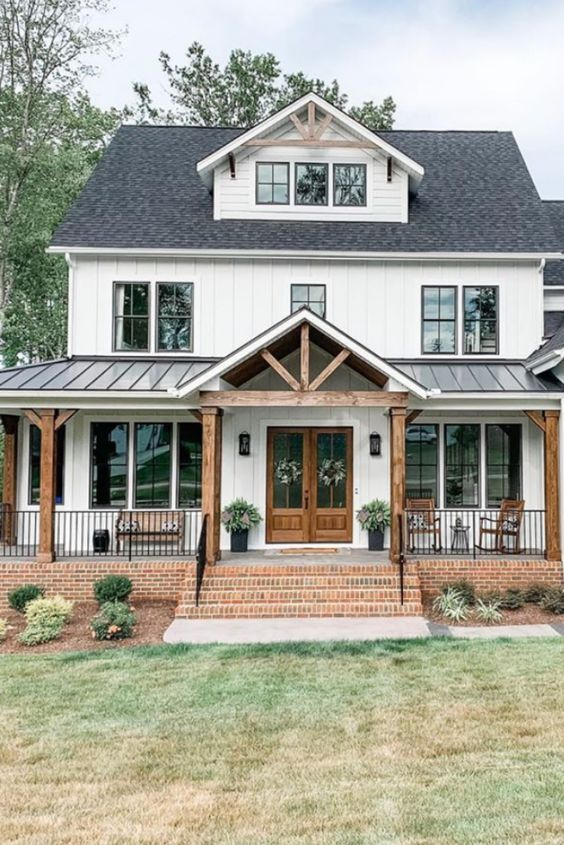 Pitched Roof Above Porch Dream House Exterior Farmhouse House House Styles