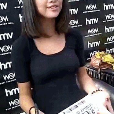 Selena Gomez Boob Pics