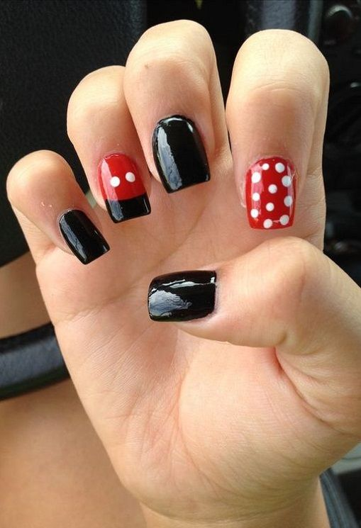 10 Cute Disney Nail Art Ideas 2018 With Images Mickey Nails