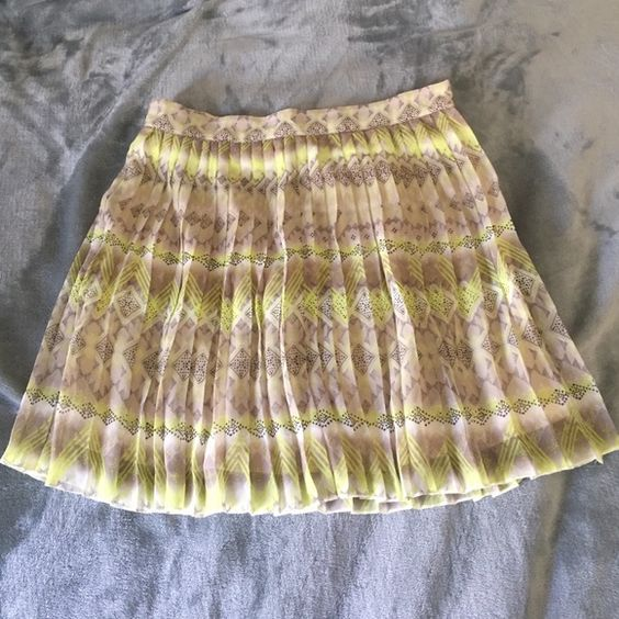 American eagle outfitters pleated skirt Lime green and grey American Eagle Outfitters Skirts Mini