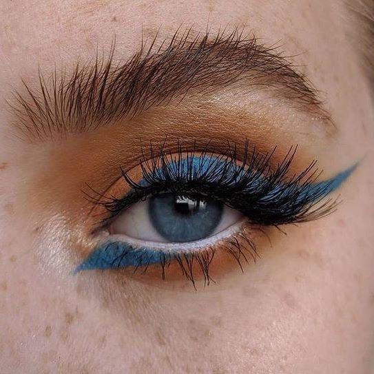 In questo lunedì, perdersi nel blu oceano di questi occhi! Non trovate fantastico questo make-up? E voi? Di che colore avete gli occhi? 👁🎨