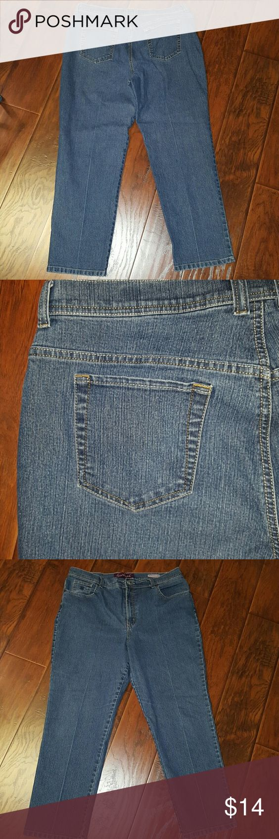 Gloria Vanderbilt jeans Amanda size 18 short Gloria Vanderbilt jeans Amanda size 18 short. Inseam measures approximately 28 inches.   Bundle two or more items and save 15% instantly at checkout! Gloria Vanderbilt Jeans