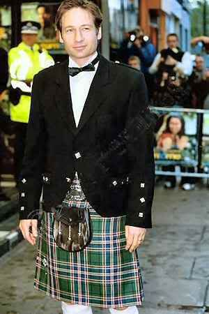 Agent Molder never looked so good ;) | I love a Kilt With ...
