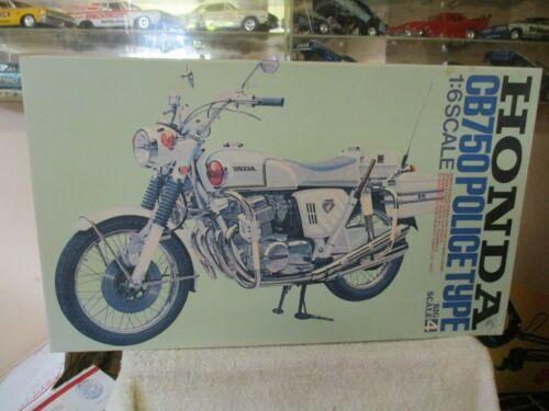 Tamiya 1 6 Scale Motorcycle Model Kit Honda Cb 750 Police Type Motorcycle Model Kits Motorcycle Model Honda Cb