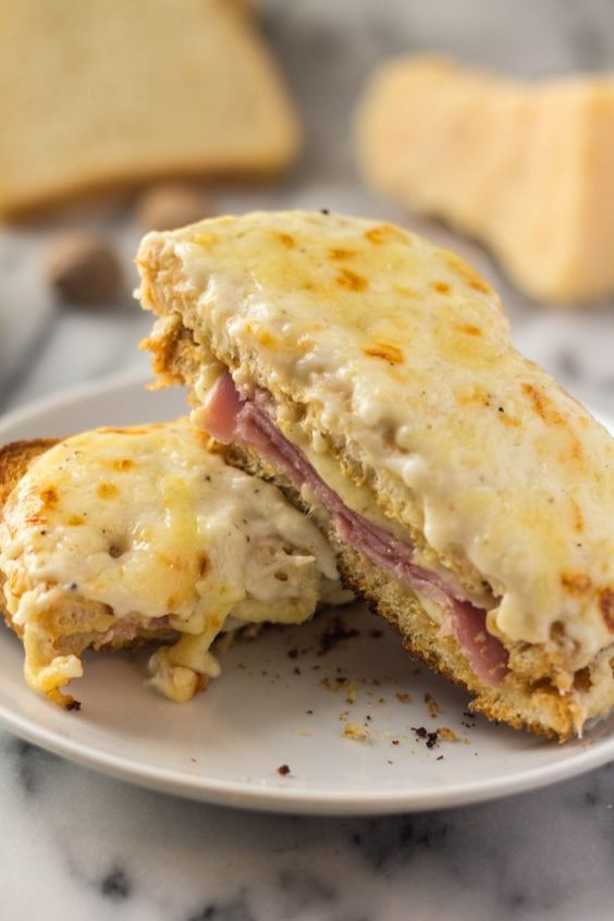 Croque Monsieur - An iconic traditional French ham and cheese sandwich ...