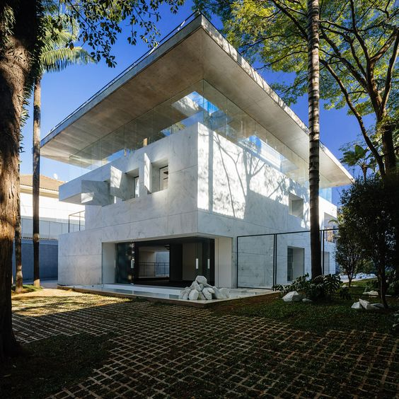 Gallery of Groenlândia / Triptyque Architecture - 40