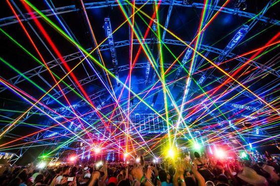 アメリカ最大規模のロックフェス「コーチェラ・フェスティバル」レイブ音楽