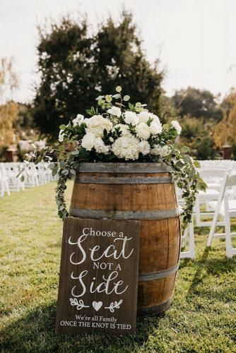 36 Rustic Wedding Decor For Country Ceremony Wedding Forward Rustic Wedding Ceremony Decor Wedding Ceremony Signs Outdoor Wedding Decorations