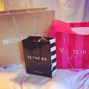Imagem de sephora, Michael Kors, and Victoria's Secret