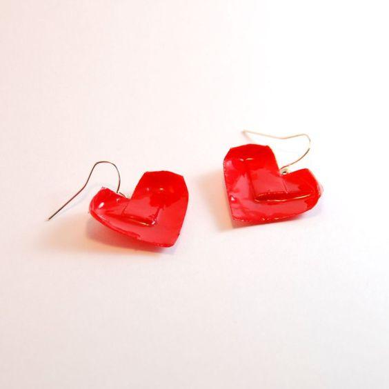 COLLECTION « fraises au sucre  Boucles d'oreilles coeur rouge - origami - résine