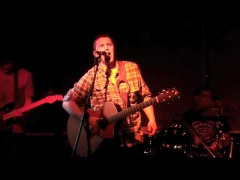 Jon Erikson performing at Parente's tonight!  http://goingout.com/ri/venues/153/Parente-s-Restaurant?photo=nightlife