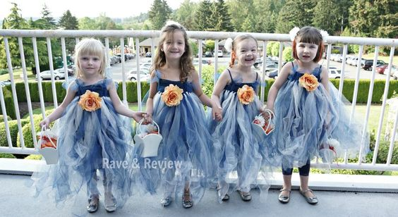 DIY Flower girl tutu dresses >super tutorial with lots photos >even gives amount of tulle required per dress! >adds skirts onto lacy elastic hairbands >tops are purchased t's but she mentions buying white tees & capris & dyeing to match tulle. Smart!