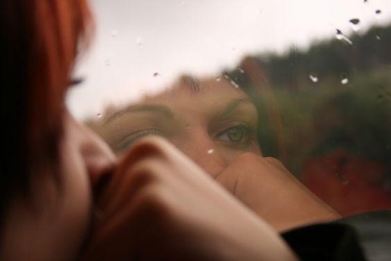 O número de pessoas que decidiram morar sozinhas, seja por vontade própria ou necessidade, aumentou nos últimos anos. Segundo dados o IBGE (Instituto Brasileiro de Geografia e Estatísticas), quase 7 mil pessoas moram sozinhas no país, o equivalente a: