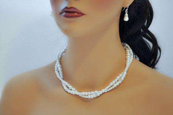 Pearl Wedding Jewelry Bridesmaid Pearl Necklace by Amanda Badgley Designs   A Bridal Boutique {Bride + Bridesmaids}