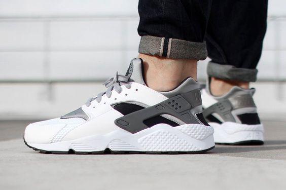 Nike Huarache Shoes Black And White