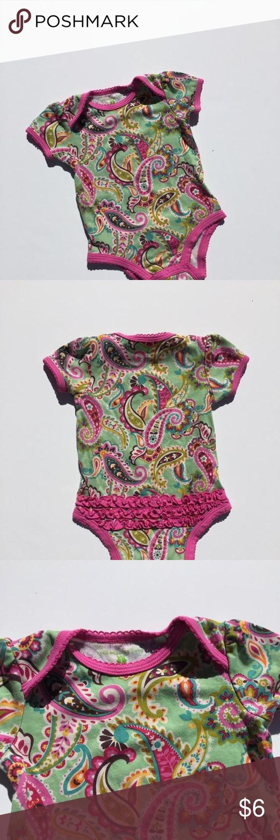 Vera Bradley Baby Onsie I love the color combination in this design! Mint background with bright pink edging. Material is high quality and super soft. Size is 9-12 months but it still fit my daughter when she was in 18 month clothes. Dresses