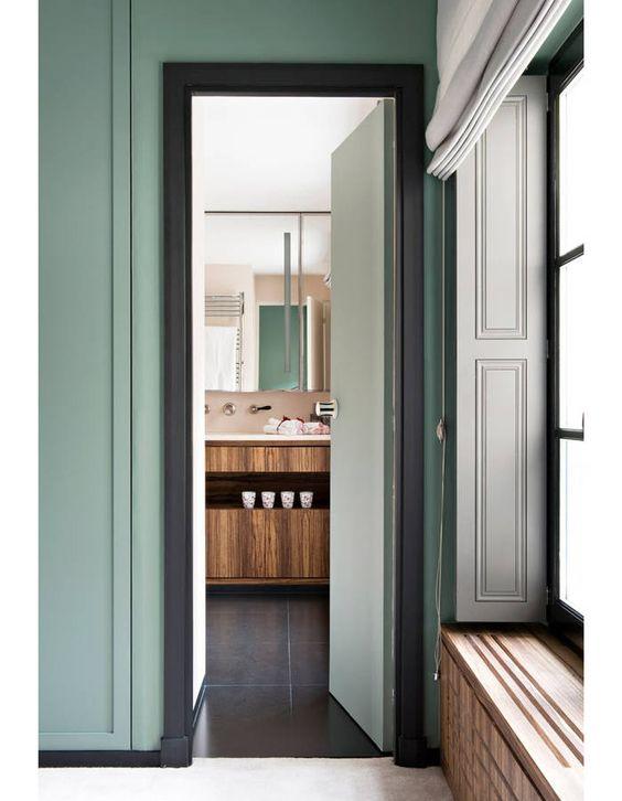 vert d 39 eau sarah lavoine revisite l esprit rive gauche elle d coration salle de bains. Black Bedroom Furniture Sets. Home Design Ideas