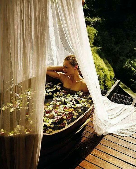 Nunca mejor que un baño entre la naturaleza...