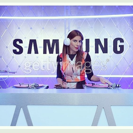An awesome Virtual Reality pic! @djmichellepesce spinning in nyc last night for the @samsung_company @thehungergames collab #standwiththemockingjay #galaxylife #samsung #thehungergames #virtualreality #dj / photo @gettyimages by nonaent check us out: http://bit.ly/1KyLetq