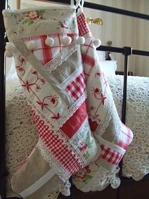 Christmas stocking... So cute!  Hmmm...could do this with the old red and white quilts from the girls' beds.: