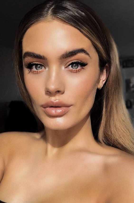 natural makeup ideas | bold defined brows | sunkissed glowy skin