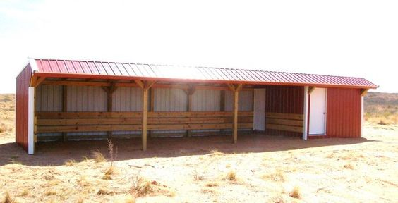 Small Hay Storage Shelter : Nice run in shelter with a storage room attached my