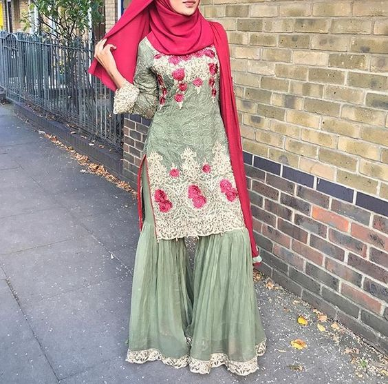 Alluring Hijab style with ghaghra pants