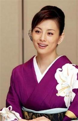 和服の米倉涼子さん