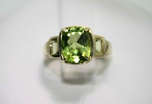 BEAUTIFUL 14KT SOLID GOLD, GENUINE PERIDOT RING