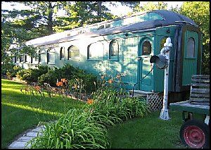 Home built from a refurbished train car. Whistle Stop Bed and Breakfast at New…