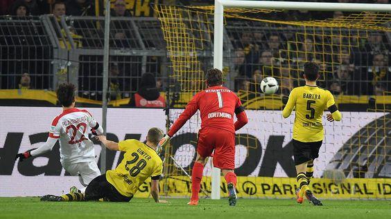 Gladbach verliert - Schubert auch?: BVB strauchelt, Frankfurt und HSV furios