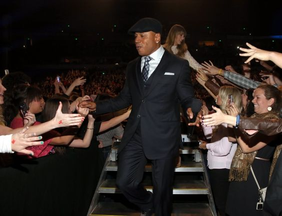 LL Cool J and Taylor Swift | GRAMMY.com: Tv S Lip, Concert, Spike Tv S, Annual Grammy, Taylor, Tvs, Photo, 2013 Grammy