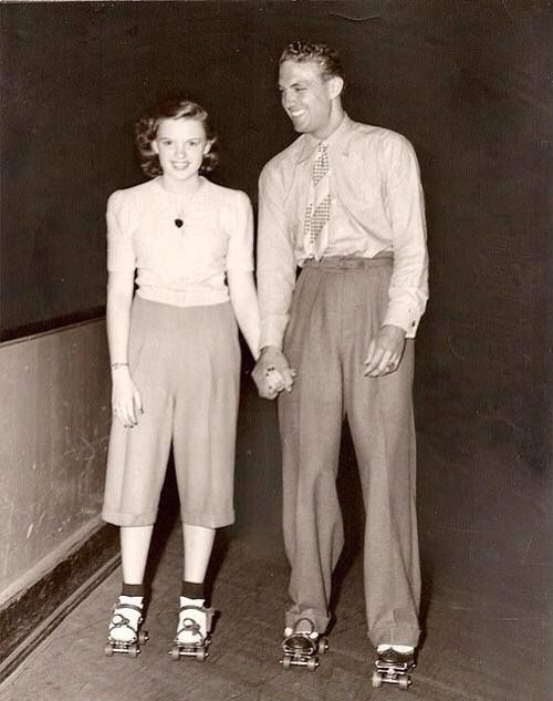1941 Judy Garland & Robert Stack--l'esprit swing's