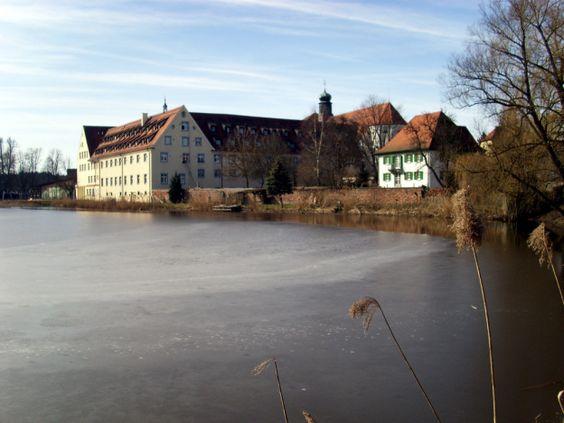 Kloster Wald Südansicht mit Weiher