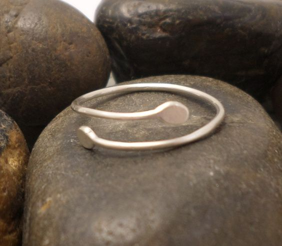 Adjustable sterling silver ring  £4.00