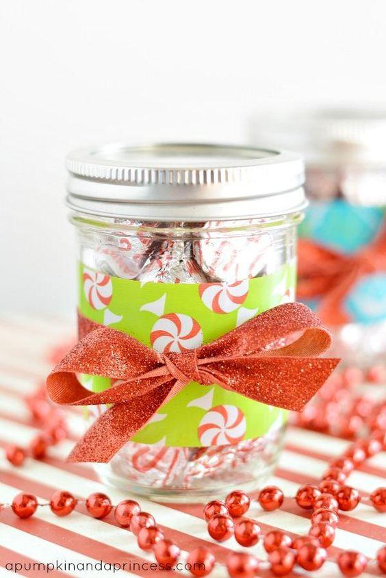 Decoración en jarras navideñas