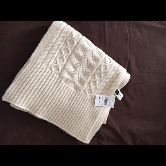 Cashmere scarf Cream colored cashmere scarf, never worn Ann Taylor Accessories Scarves & Wraps