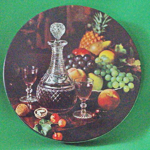Large Round Peek, Frean (England) Collectible Decorated Biscuit Tin