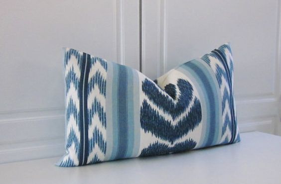 Awesome Brunschwig & Fils Chenonceaux, made in Paris, indigo ikat, 13x23 lumbar, handmade pillow cover. The fabric is a mid weight crisp linen. The