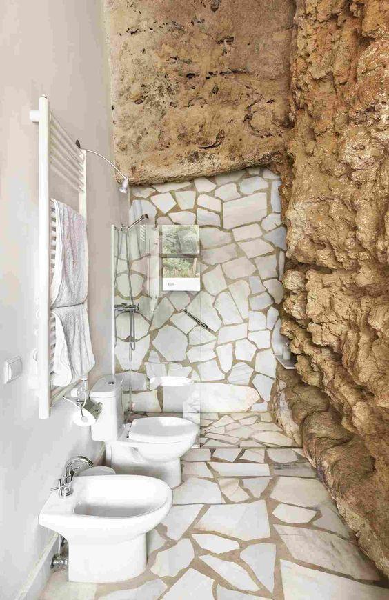 Дом в пещере в Испании